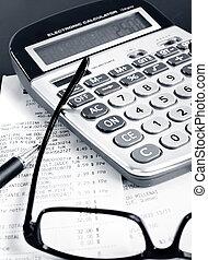 calculadora, pluma, cuentas