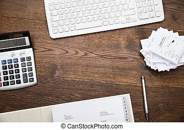 calculadora, teclado, recibos