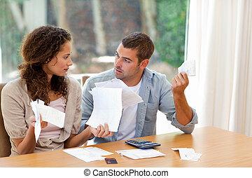calculer, couple, conjugal, jeune, leur, factures