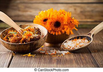Calendula homeopathic. - Homeopathic medicine, calendula dry...