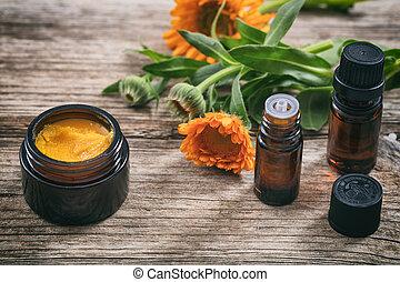 calendula, wesentliches öl, und, salbe, auf, a, holztisch, frisch, blühen, calendula, hintergrund