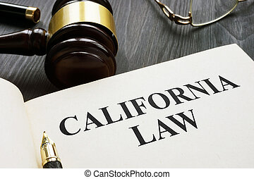 califórnia, lei, ligado, um, escuro, madeira, desk.