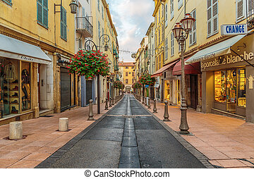 calle, en, el, pueblo viejo, antibes, en, france.