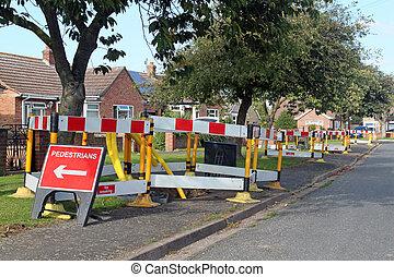 calle, trabajo, england., señales alerta, barreras, camino