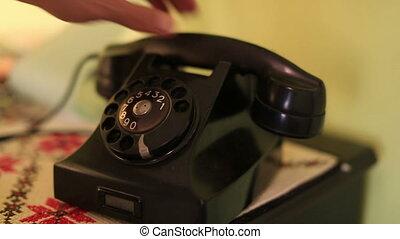 retro phone - calling emergency number on the retro phone
