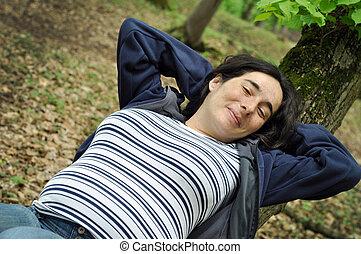 calma, donna incinta, rilassante, in, il, foresta