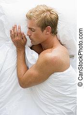 cama, dormir, homem, mentindo