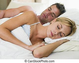 cama, dormir, par, mentindo