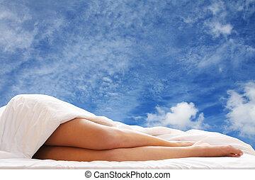 cama, piernas