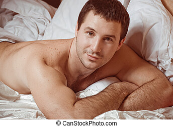cama, sexy, joven, muscular, hombre