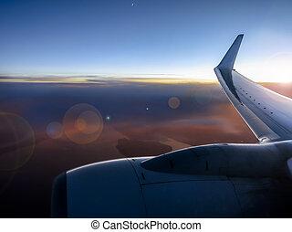 camada, vôo, vibrante, pôr do sol, acima, durante, nuvem