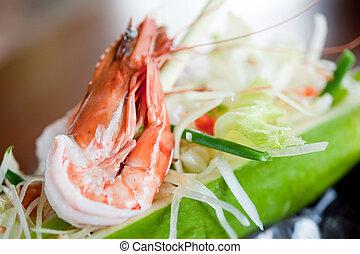 camarão grande, salada