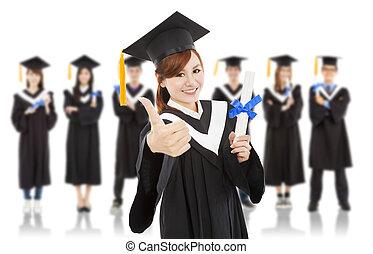 camarades classe, joli, haut, remise de diplomes, étudiant, pouce