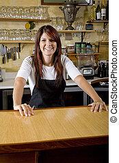 camarera, atrás, mostrador, trabajando, en, restaurante