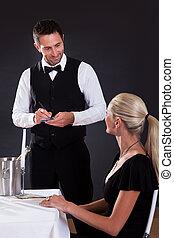 camarero, orden que toma