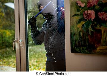 cambrioleur, essayer, ouvrir, les, fenêtre