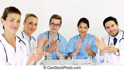came, applaudir, équipe, monde médical