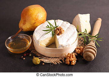 camembert with bread, walnut and honey