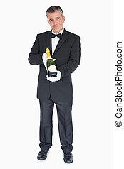 cameriere, bottiglia offerta, di, champagne