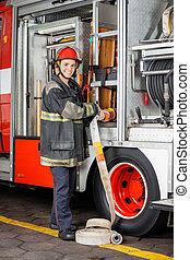 camión, ajuste, manguera, bombero, feliz