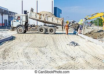 caminhão basculante, é, descarregando, solo