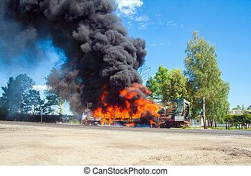 caminhão bombeiros, pretas, estrada, fumaça