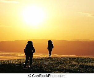 caminhada, pôr do sol