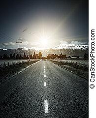 camino, a, alpes, con, dramático, luz sol