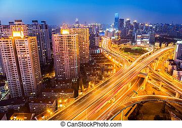 camino, noche, ciudad, intersección