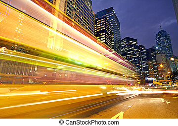 camino, y, tráfico, en, céntrico, área