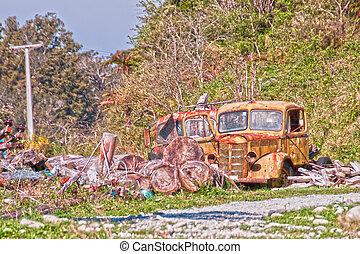 camion, abbandonato