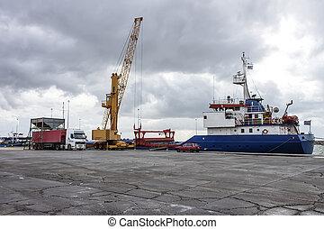 camion, bateau, grain, déchargement