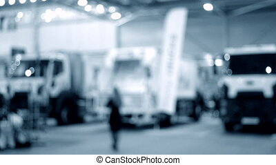 camion, beaucoup, voitures, pavillon, fond, camions, brouillé, intérieur, exposition