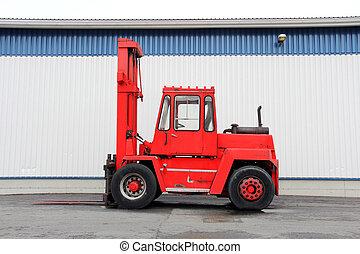camion chariot élévateur fourche, rouges
