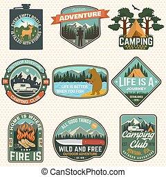 camisa, veado, badges., tee., vector., desenho, silueta, frasco, logotipo, impressão, emblema, selo, remendo, verão, urso, faca, montanhas, pesca, conceito, montanhas, acampamento, jogo, ou