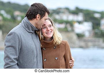 camminare, coppia, inverno, felice, spiaggia, flirting