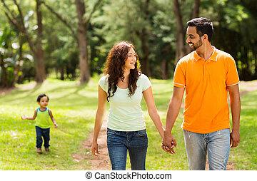 camminare, parco, famiglia
