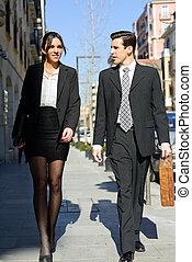 camminare, working., persone affari, coppia, strada., ritratto, atractive