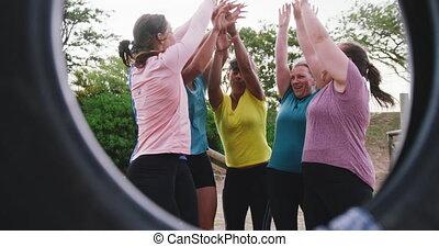 camp, amis, exercisme, femme, botte, ensemble, apprécier