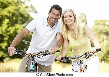 campagne, équitation, couple, vélos