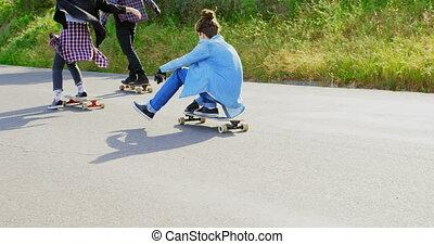 campagne, frais, vue, arrière, skateboarders, caucasien, descendant, 4k, patinage, jeune