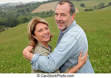 campagne, portrait, couple, personne agee, heureux