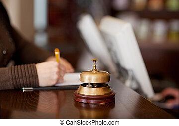 campana, en, hotel, mostrador