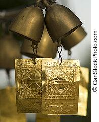 campanas, en, un, templo budista