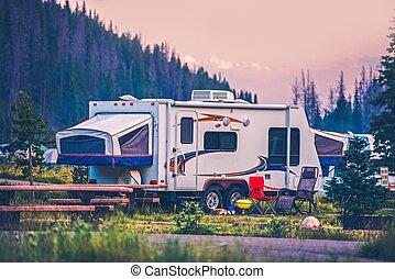 campeggiatore, viaggiare, roulotte