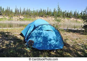 camper tente, sur, les, rivage, de, a, montagne, river.