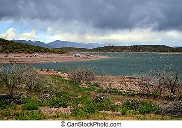 Campers at Roosevelt Lake Arizona - Campers at Roosevelt ...