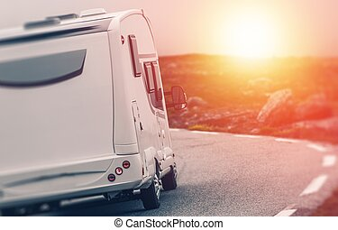 campeur, camping car, coucher soleil, voyage