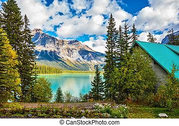 Camping at Lake Emerald