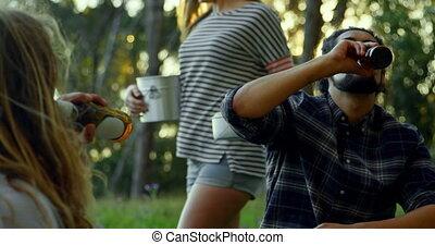 camping, bière, forêt, homme, 4k, boire